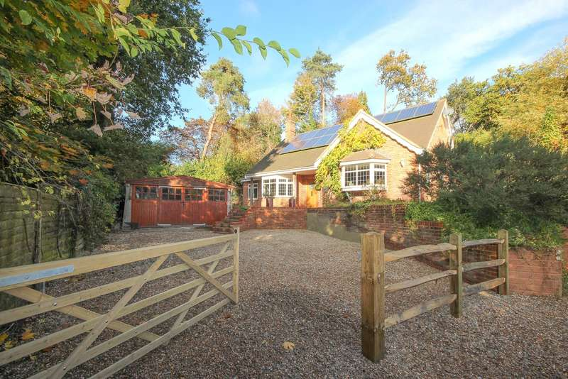 2 Bedrooms Detached Bungalow for sale in Farnham