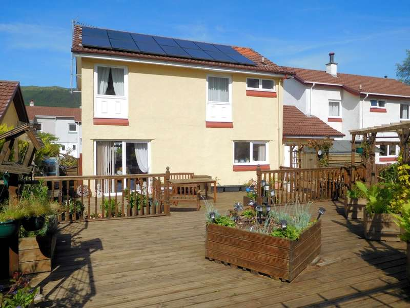4 Bedrooms Semi Detached House for sale in 46 Sandhaven, Sandbank, Dunoon, PA23 8QW