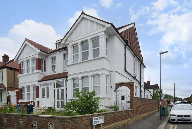 3 Bedrooms Flat for sale in Pinner View, North Harrow, HA1