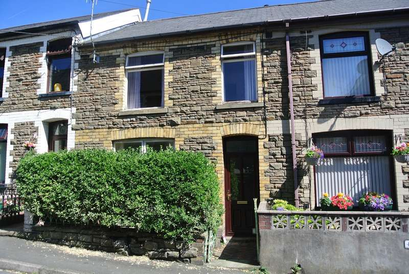 2 Bedrooms Terraced House for sale in Campbell Street, Wainfelin, PONTYPOOL, NP4