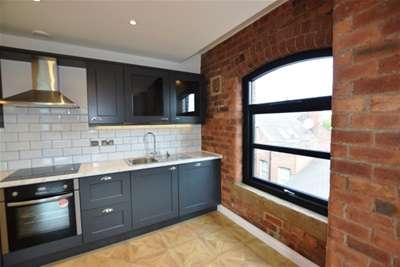 2 Bedrooms Flat for rent in 53 The Calls