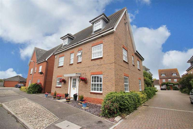 6 Bedrooms Detached House for sale in Saxmundham Way, Clacton-On-Sea