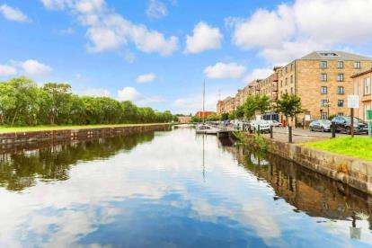 2 Bedrooms Flat for sale in Speirs Wharf, Glasgow