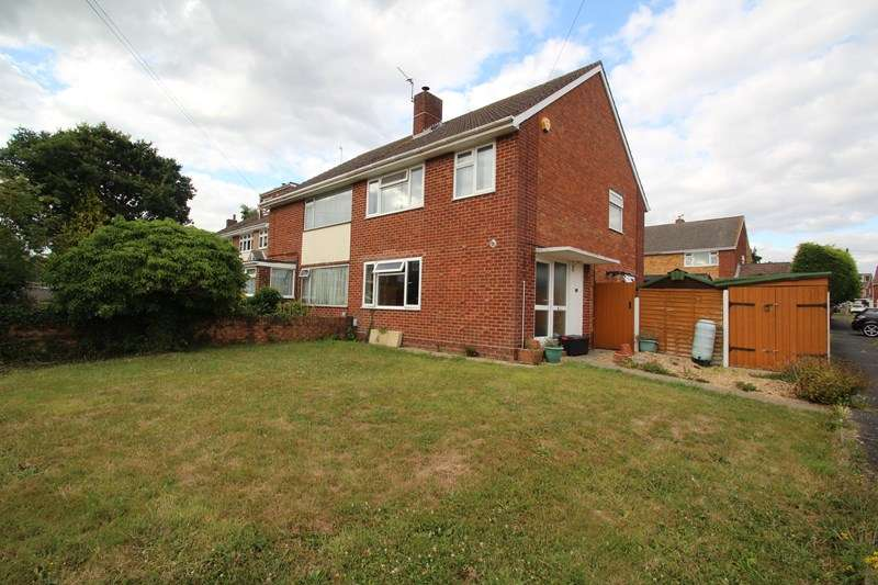3 Bedrooms Property for sale in Hill Park Road, Fareham