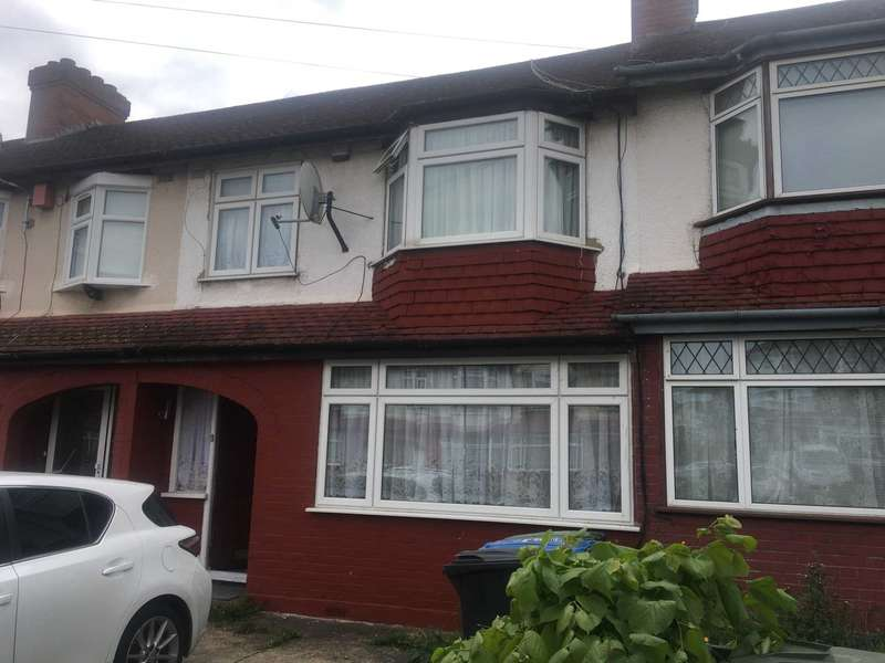 3 Bedrooms Terraced House for sale in Latymer Road, Edmonton