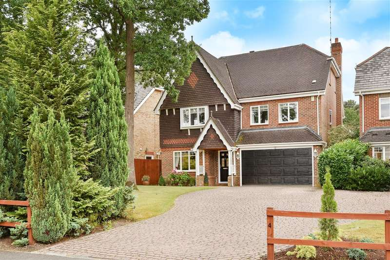 5 Bedrooms Detached House for sale in Royal Oak Drive, The Ridings, Crowthorne