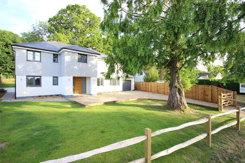 5 Bedrooms Detached House for sale in Station Road, Bentley, Farnham, Hampshire, GU10