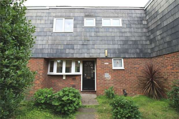 3 Bedrooms Terraced House for sale in Haywood Court, Waltham Abbey, Essex