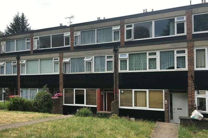 3 Bedrooms Property for sale in Leaf Close, Northwood