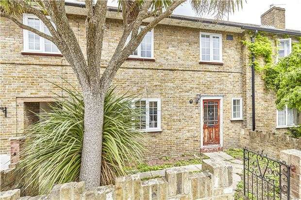 3 Bedrooms Property for sale in Hawkesbury Road, Putney, LONDON, SW15