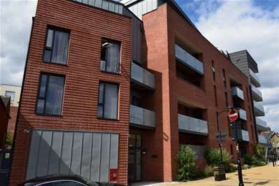 1 Bedroom Flat for sale in Canning Road, Wealdstone