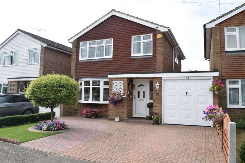 3 Bedrooms Link Detached House for sale in Kelvedon Close, Chelmsford