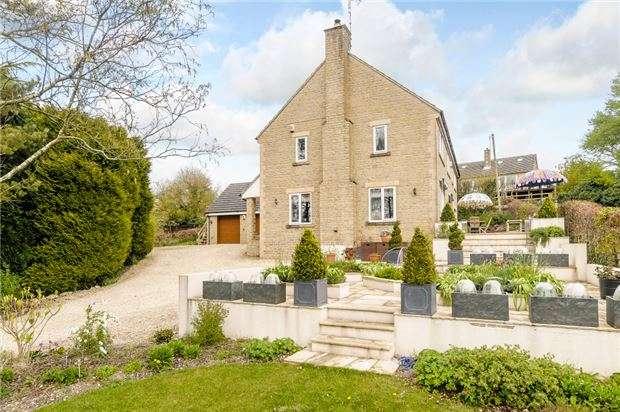 4 Bedrooms Detached House for sale in Cranham, GLOUCESTER, GL4 8HS