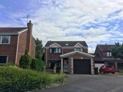 3 Bedrooms Detached House for sale in Malvern Close, Stokesley, Middlesbrough