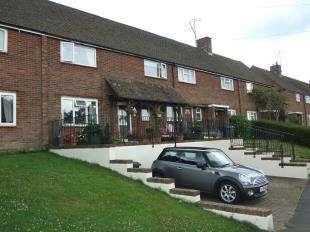 3 Bedrooms Terraced House for sale in Heathfield Gardens, Robertsbridge, East Sussex