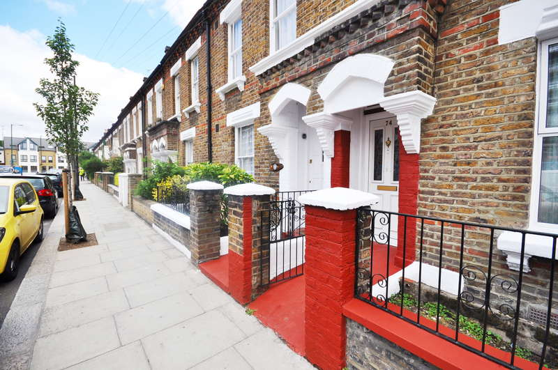 3 Bedrooms Cottage House for sale in Kilburn Lane, London, W10