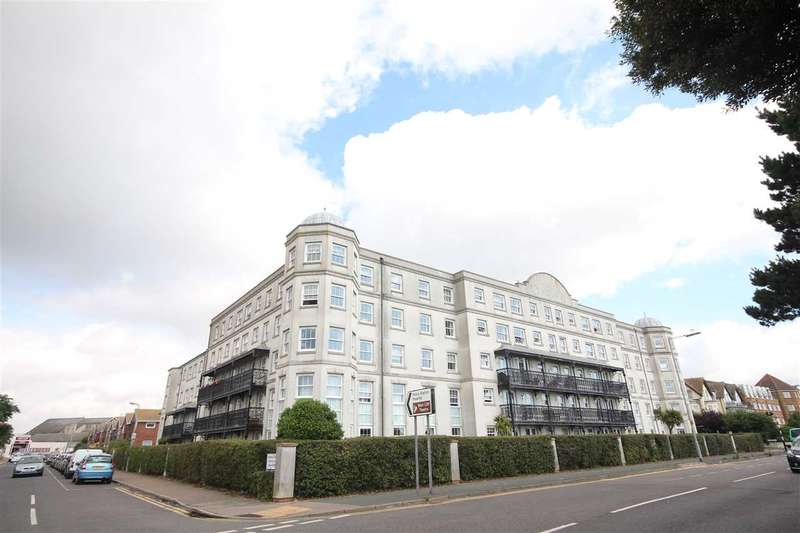 1 Bedroom Apartment Flat for sale in Imperial Court, Marine Parade West, Clacton-On-Sea