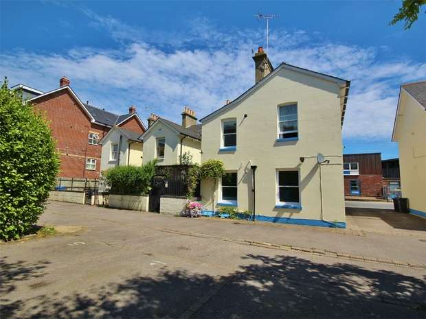 1 Bedroom Flat for sale in Fishermans Wharf, Hamworthy, Poole, Dorset