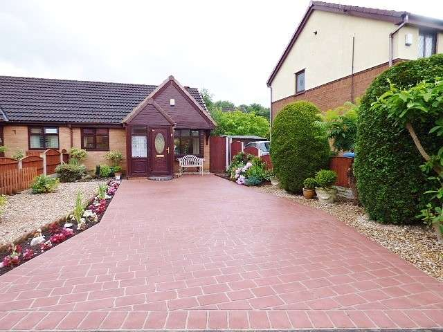 1 Bedroom Bungalow for sale in Tasman Close, Old Hall, Warrington