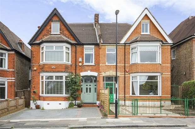 4 Bedrooms Semi Detached House for sale in Coopers Lane, London