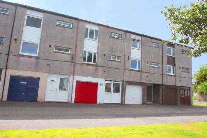 4 Bedrooms Town House for sale in Cawdor Drive, Glenrothes