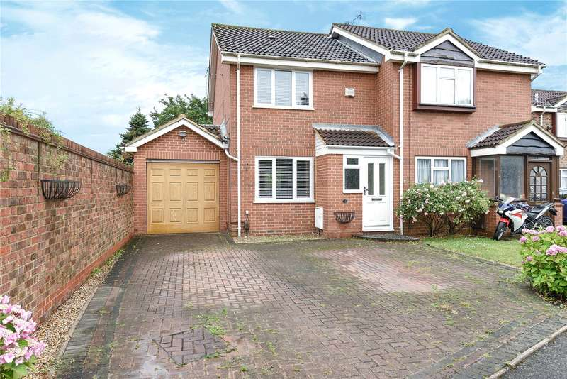 3 Bedrooms Semi Detached House for sale in Brentford Close, Hayes, Middlesex, UB4