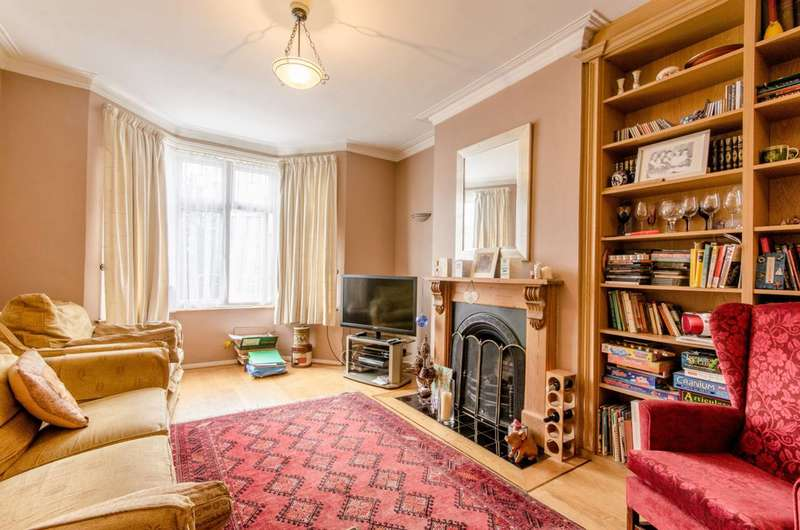 4 Bedrooms House for sale in Bosworth Road, High Barnet, EN5