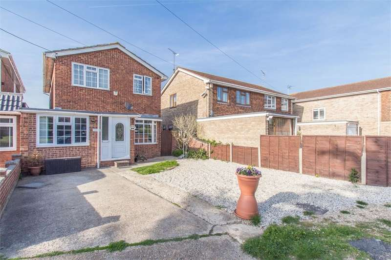 5 Bedrooms Detached House for sale in Central Wall, Canvey Island, SS8