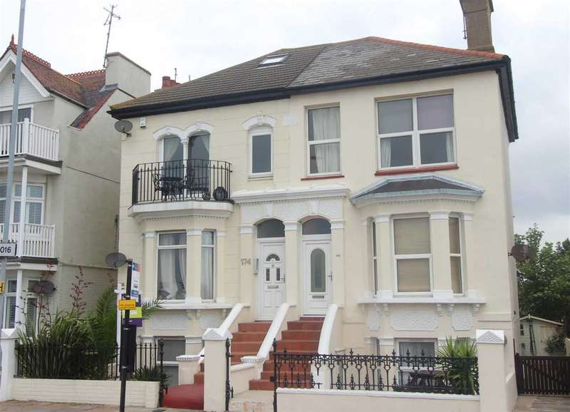 2 Bedrooms Apartment Flat for sale in Southend Seafront