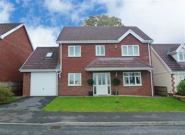 5 Bedrooms Detached House for sale in Gwaun Henllan, AMMANFORD