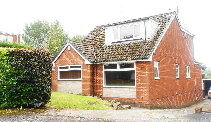 4 Bedrooms Detached House for sale in Staindale , Oldham, Greater Manchester. OL4 3AT