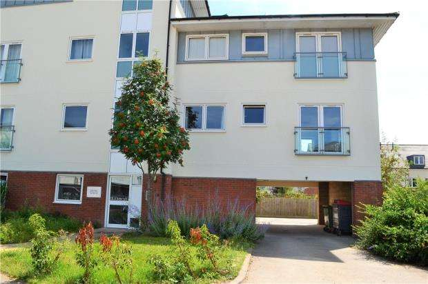 1 Bedroom Flat for sale in Kempton Drive, Warwick, Warwickshire