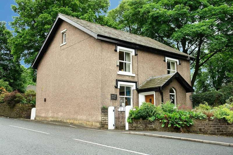 5 Bedrooms Detached House for sale in School Lodge, Rhodes Hill, Lees