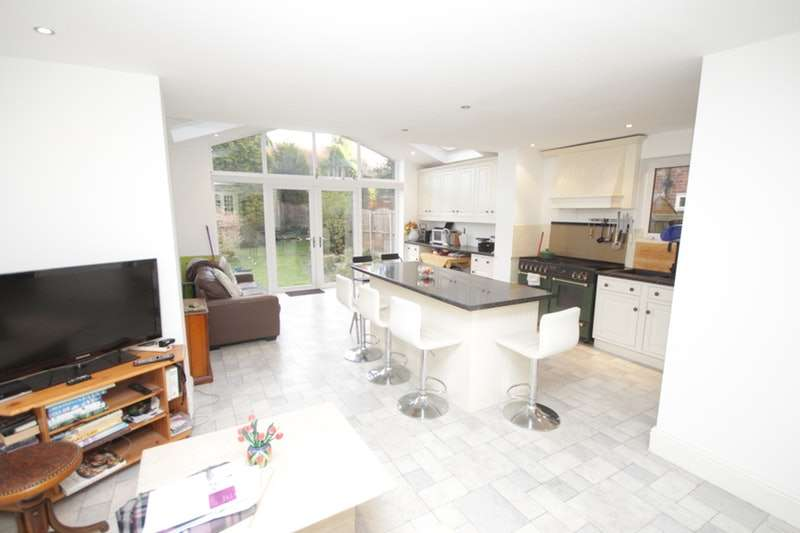4 Bedrooms Semi Detached House for sale in Maple Road, Bramhall, Cheshire, SK7