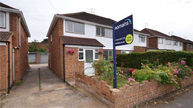 3 Bedrooms Semi Detached House for sale in Clare Road, Maidenhead, Berkshire