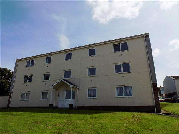 2 Bedrooms Apartment Flat for sale in Goshawk Rd, Haverfordwest