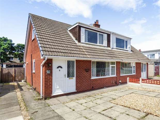 3 Bedrooms Semi Detached Bungalow for sale in Mallom Avenue, Euxton, Chorley, Lancashire