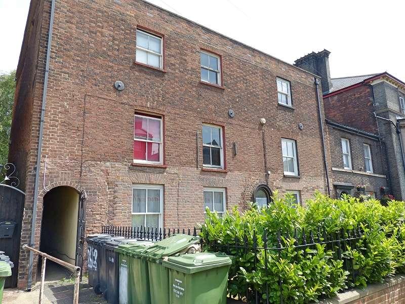 1 Bedroom Maisonette Flat for sale in London Road, Kings Lynn, Norfolk. PE30 5PY