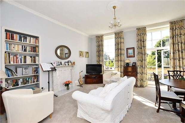 2 Bedrooms Flat for sale in Hatherley Court, Hatherley Court Road, CHELTENHAM, Gloucestershire, GL51 6EA