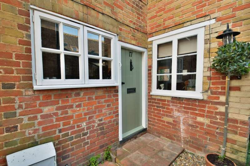 2 Bedrooms Cottage House for sale in Redenhall Road, Harleston