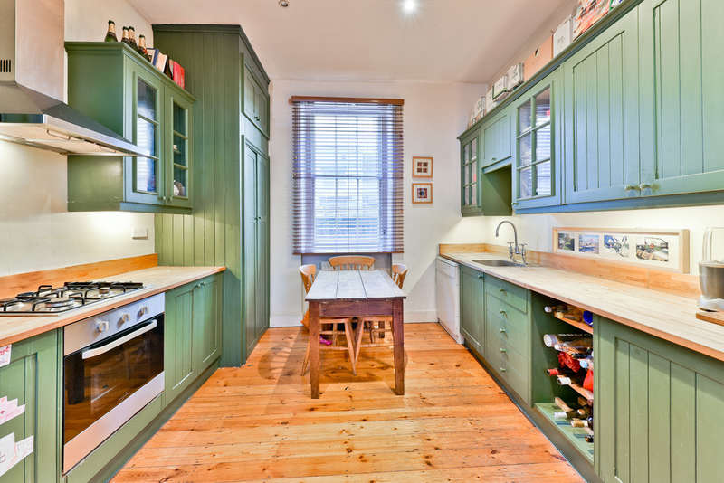 3 Bedrooms Town House for sale in Colebrooke Row, N1 8AA
