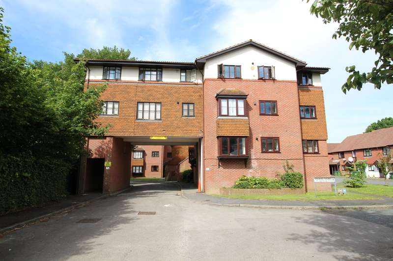 1 Bedroom Flat for sale in Fishers Court, Horsham