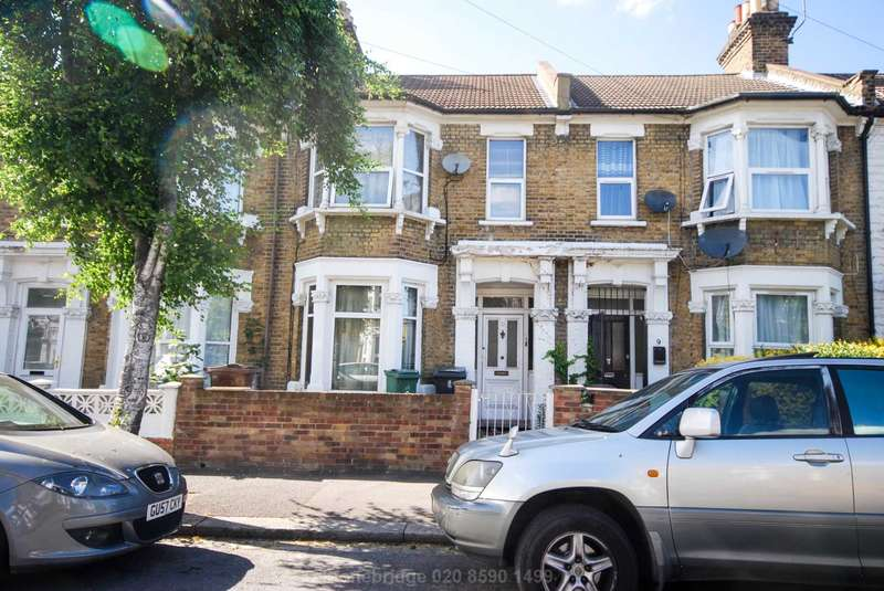 4 Bedrooms Terraced House for sale in Osbourne Road, London, E10