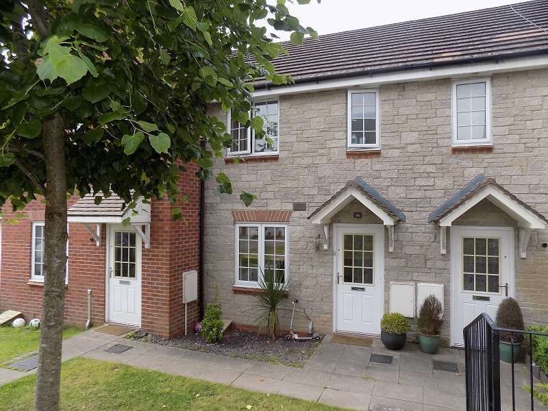 2 Bedrooms Terraced House for sale in Lowland Close, Broadlands, Bridgend. CF31 5BU
