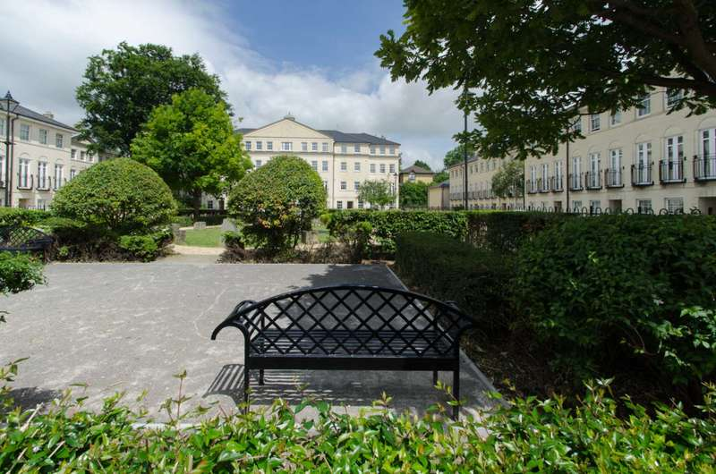 2 Bedrooms Apartment Flat for sale in Bath