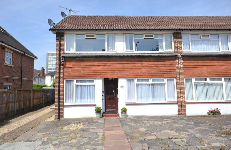 2 Bedrooms Maisonette Flat for sale in Walton on Thames