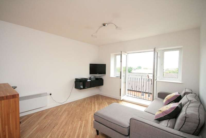 2 Bedrooms Flat for sale in Lulworth Road, Birkdale, Southport, PR8 2AW