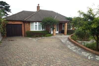 4 Bedrooms Bungalow for rent in Kings Walk, West Kirby