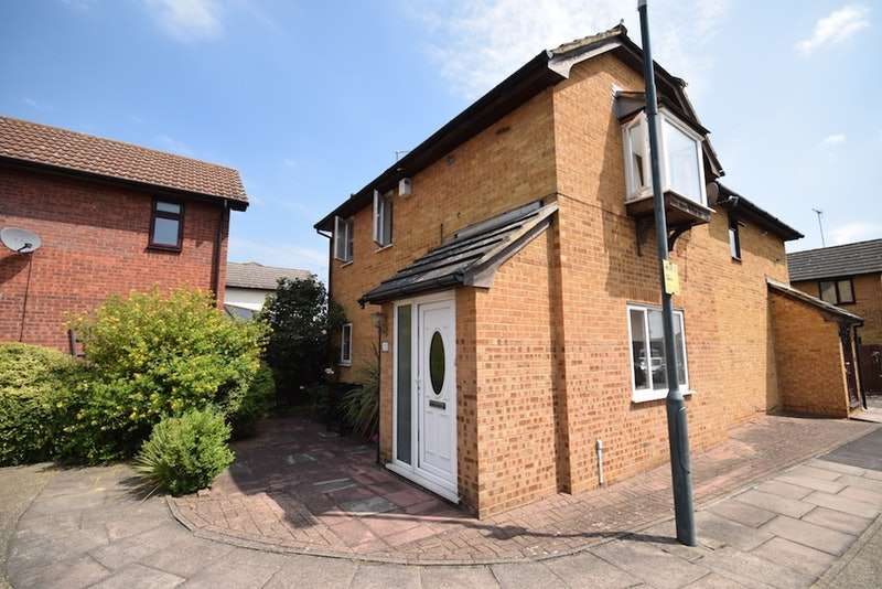 2 Bedrooms Semi Detached House for sale in Doyle Close, Erith, Kent, DA8