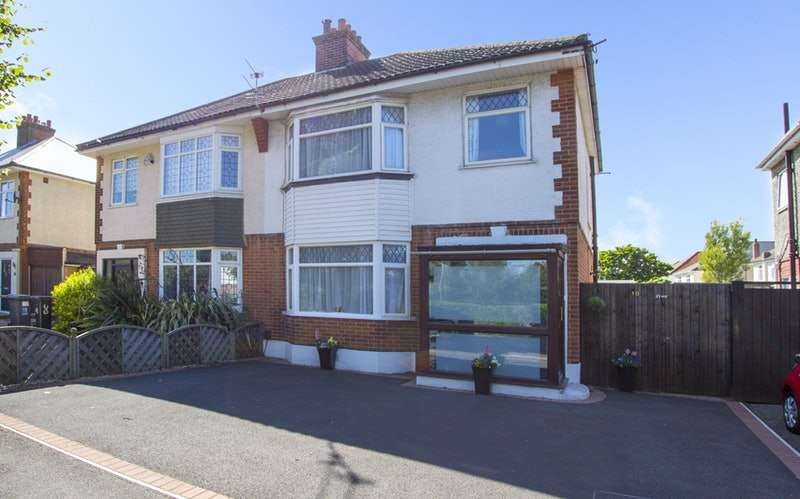 3 Bedrooms Semi Detached House for sale in Clingan Road, Bournemouth, Dorset, BH6